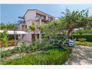 Appartementen Novokmet Rogoznica, Kwadratuur 10,00 m2, Lucht afstand tot de zee 100 m, Lucht afstand naar het centrum 600 m