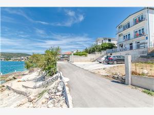 Ferienwohnungen More Šibenik Riviera, Größe 36,00 m2, Luftlinie bis zum Meer 10 m, Entfernung vom Ortszentrum (Luftlinie) 300 m
