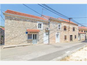 Haus Jozo Marina, Steinhaus, Größe 65,00 m2, Entfernung vom Ortszentrum (Luftlinie) 50 m