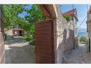 Ferienwohnungen Jerka Sutivan - Insel Brac, Größe 50,00 m2, Luftlinie bis zum Meer 150 m, Entfernung vom Ortszentrum (Luftlinie) 20 m