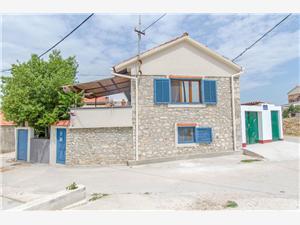 Apartmány Estella Bibinje, Prostor 40,00 m2, Vzdušní vzdálenost od moře 50 m, Vzdušní vzdálenost od centra místa 200 m