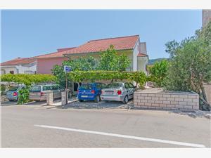 Lägenheter Božjidar Stari Grad - ön Hvar, Storlek 30,00 m2, Luftavståndet till centrum 400 m