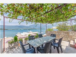 Apartmán Marko Čierna Hora, Rozloha 75,00 m2, Vzdušná vzdialenosť od mora 20 m