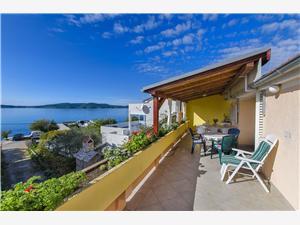 Apartament Marija Brodarica, Powierzchnia 70,00 m2, Odległość do morze mierzona drogą powietrzną wynosi 70 m