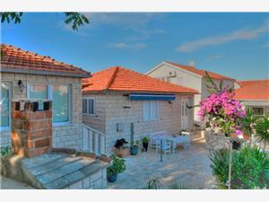 Apartmány Ivanka Supetar - ostrov Brac, Prostor 40,00 m2, Vzdušní vzdálenost od moře 200 m, Vzdušní vzdálenost od centra místa 50 m