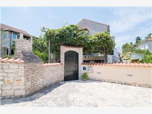 Appartamenti Nataša Mirca - isola di Brac,Prenoti Appartamenti Nataša Da 73 €