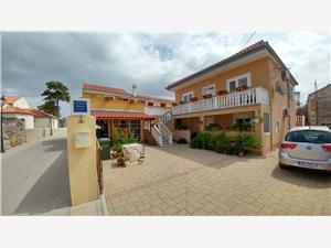 Apartman Branimir Nin, Kvadratura 60,00 m2, Zračna udaljenost od centra mjesta 30 m