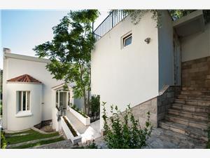 Apartmány Sveti Stefan Budva riviéra, Prostor 30,00 m2, Vzdušní vzdálenost od moře 150 m, Vzdušní vzdálenost od centra místa 10 m