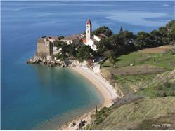 Samostan Gornji Humac - otok Brač Plaža