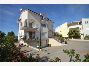 Apartments Mara Vodice, Size 25.00 m2