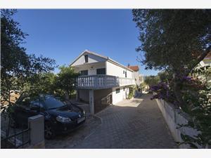 Appartementen Jure Slatine (Ciovo),Reserveren Appartementen Jure Vanaf 86 €