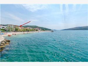 Ferienwohnungen Tina Poljica, Größe 40,00 m2, Luftlinie bis zum Meer 10 m, Entfernung vom Ortszentrum (Luftlinie) 10 m