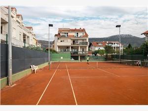 Apartmanok Ante Kastel Stafilic, Méret 26,00 m2, Központtól való távolság 200 m