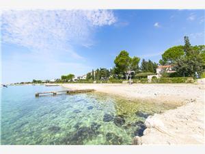 Appartamenti Agata Croazia, Dimensioni 48,00 m2, Distanza aerea dal mare 10 m, Distanza aerea dal centro città 700 m