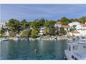 Appartements Uvala Riviera de Šibenik, Superficie 25,00 m2, Distance (vol d'oiseau) jusqu'au centre ville 550 m