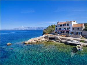 Appartements Igor Gdinj - île de Hvar, Superficie 25,00 m2, Distance (vol d'oiseau) jusque la mer 20 m