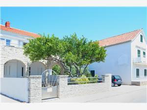 Apartmány Danijela Primosten, Rozloha 50,00 m2, Vzdušná vzdialenosť od mora 10 m, Vzdušná vzdialenosť od centra miesta 100 m