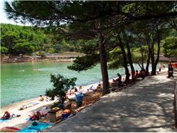 Mina Zastrazisce - ostrov Hvar Plaža