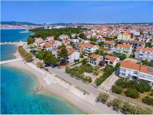Apartamenty Bruno Vodice, Powierzchnia 60,00 m2, Odległość do morze mierzona drogą powietrzną wynosi 20 m