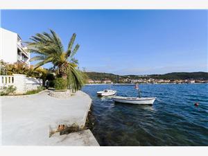 Beachfront accommodation Split and Trogir riviera,Book Nada From 58 €