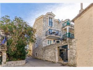 Apartament STARI DVOR Baska Voda, Powierzchnia 42,00 m2, Odległość do morze mierzona drogą powietrzną wynosi 50 m, Odległość od centrum miasta, przez powietrze jest mierzona 40 m