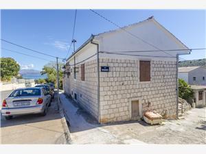 Apartmány Anita Slatine (Ciovo), Kamenný dům, Prostor 30,00 m2, Vzdušní vzdálenost od centra místa 250 m