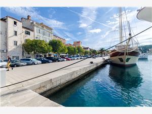Beachfront accommodation Makarska riviera,Book Jadranka From 80 €