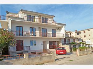Апартаменты Jerko Primosten, квадратура 15,00 m2, Воздуха удалённость от моря 30 m, Воздух расстояние до центра города 400 m