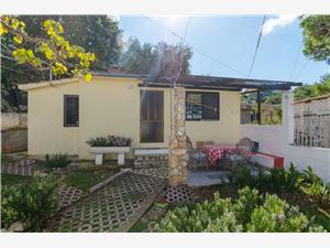 Dom Slišković Rogac - ostrov Solta, Rozloha 28,00 m2, Vzdušná vzdialenosť od mora 20 m, Vzdušná vzdialenosť od centra miesta 800 m