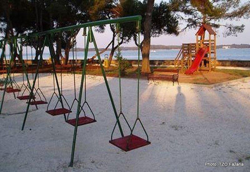 Južna plaža (Dječje igralište)-Fažana (Pula)