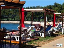 Karpinjan Kastelir Plaža