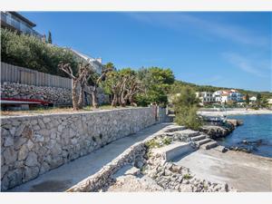 Lägenheter Ivan Slatine (Ciovo), Storlek 55,00 m2, Luftavstånd till havet 10 m, Luftavståndet till centrum 900 m
