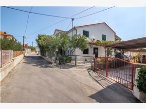 Ferienwohnung und Zimmer Ruža Trogir, Größe 16,00 m2, Entfernung vom Ortszentrum (Luftlinie) 500 m