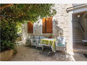 Stenen huize Split en Trogir Riviera,Reserveren Sanda Vanaf 80 €