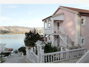 Appartementen Iva Arbanija (Ciovo),Reserveren Appartementen Iva Vanaf 50 €