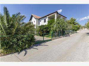 Apartmány Marija Milna - ostrov Brac, Rozloha 44,00 m2, Vzdušná vzdialenosť od mora 250 m, Vzdušná vzdialenosť od centra miesta 300 m