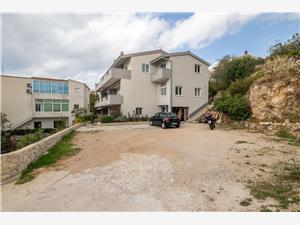 Apartments Jelena Stanici, Size 45.00 m2, Airline distance to the sea 250 m, Airline distance to town centre 50 m