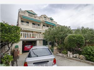 Appartement et Chambres Mate Bol - île de Brac, Superficie 16,00 m2, Distance (vol d'oiseau) jusque la mer 200 m, Distance (vol d'oiseau) jusqu'au centre ville 200 m