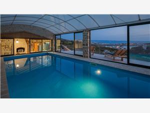 Stenen huize Split en Trogir Riviera,Reserveren DIVINO Vanaf 226 €