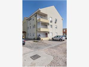 Апартамент Danijela Kastel Stafilic, квадратура 60,00 m2, Воздуха удалённость от моря 50 m, Воздух расстояние до центра города 900 m