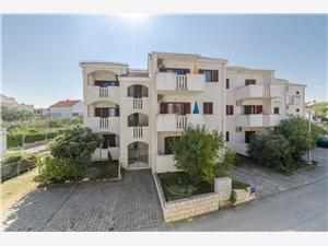 Appartements Klara Nerezisce - île de Brac,Réservez Appartements Klara De 61 €
