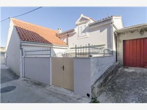 Casa Petar Supetar - isola di Brac, Dimensioni 70,00 m2, Distanza aerea dal mare 200 m, Distanza aerea dal centro città 150 m