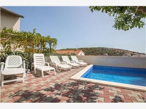 Soukromé ubytování s bazénem Vlado Seget Vranjica,Rezervuj Soukromé ubytování s bazénem Vlado Od 2190 kč