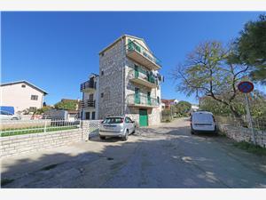 Apartmanok Anita Šibenik Riviéra, Autentikus kőház, Méret 55,00 m2, Légvonalbeli távolság 70 m