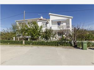 Apartmány Verica Sukosan (Zadar), Prostor 55,00 m2, Vzdušní vzdálenost od moře 200 m