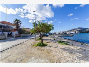 Apartmány Vinko Trogir, Rozloha 20,00 m2, Vzdušná vzdialenosť od mora 50 m, Vzdušná vzdialenosť od centra miesta 300 m