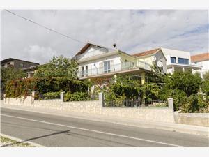 Apartmanok Bilo Marina, Méret 60,00 m2, Központtól való távolság 200 m