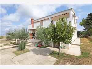 Ferienwohnung Ivan Vrsi (Zadar), Größe 30,00 m2, Entfernung vom Ortszentrum (Luftlinie) 100 m