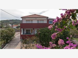 Appartements Jozo Slatine (Ciovo),Réservez Appartements Jozo De 64 €