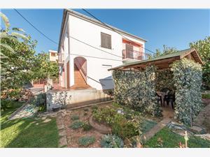 Apartamenty Mihovil Petrcane ( Zadar ),Rezerwuj Apartamenty Mihovil Od 239 zl